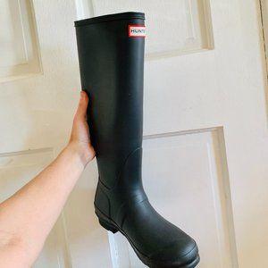 Tall black Hunter boots original size 9